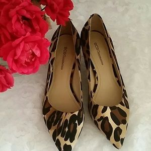 BCBG leopard print kitten heels